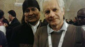Evo Morales firma a sostegno della RiMaflow